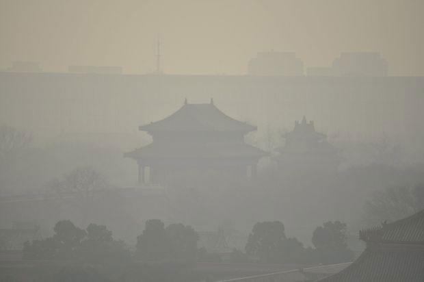 Пекин под густым смогом