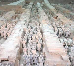 Усыпальница с пятисотлетними рисунками найдена в КНР